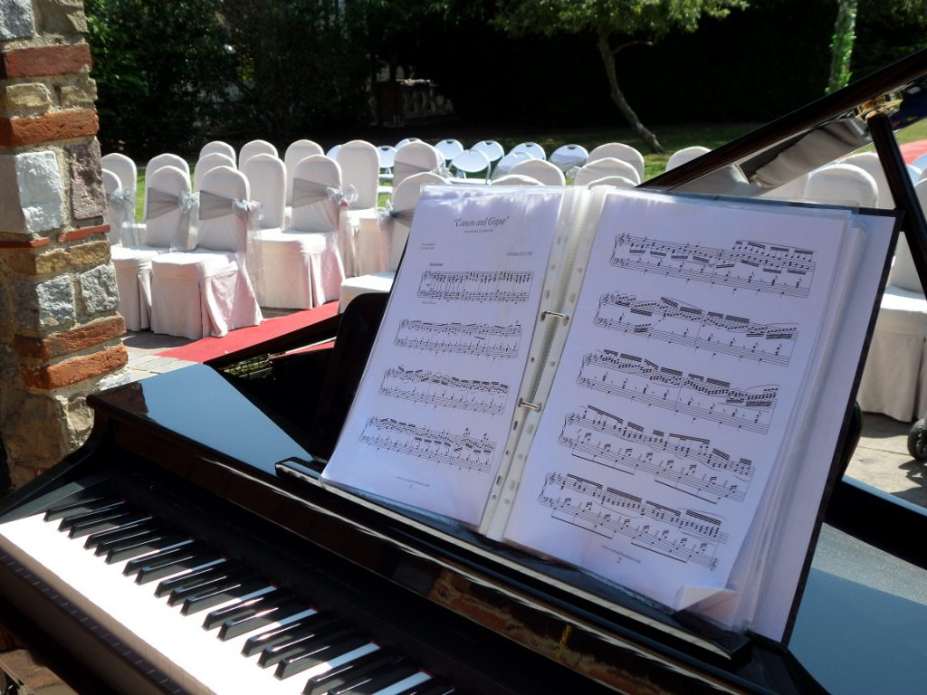 Grand Piano Shell - Wedding pianist in Bournemouth and Poole I can also provide a jazz band throughout Bournemouth and Poole.